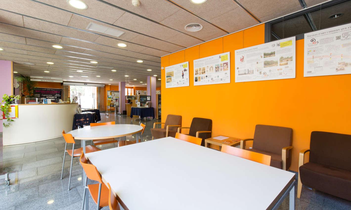 Sala d'activitats Biblioteca Can Salvador de la Plaça