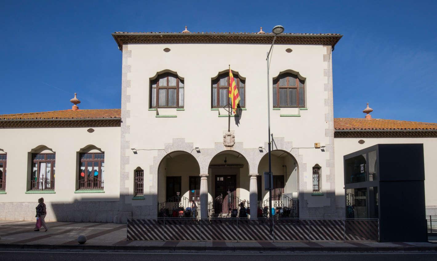 Edifici noucentista Biblioteca Costa i Fornaguera