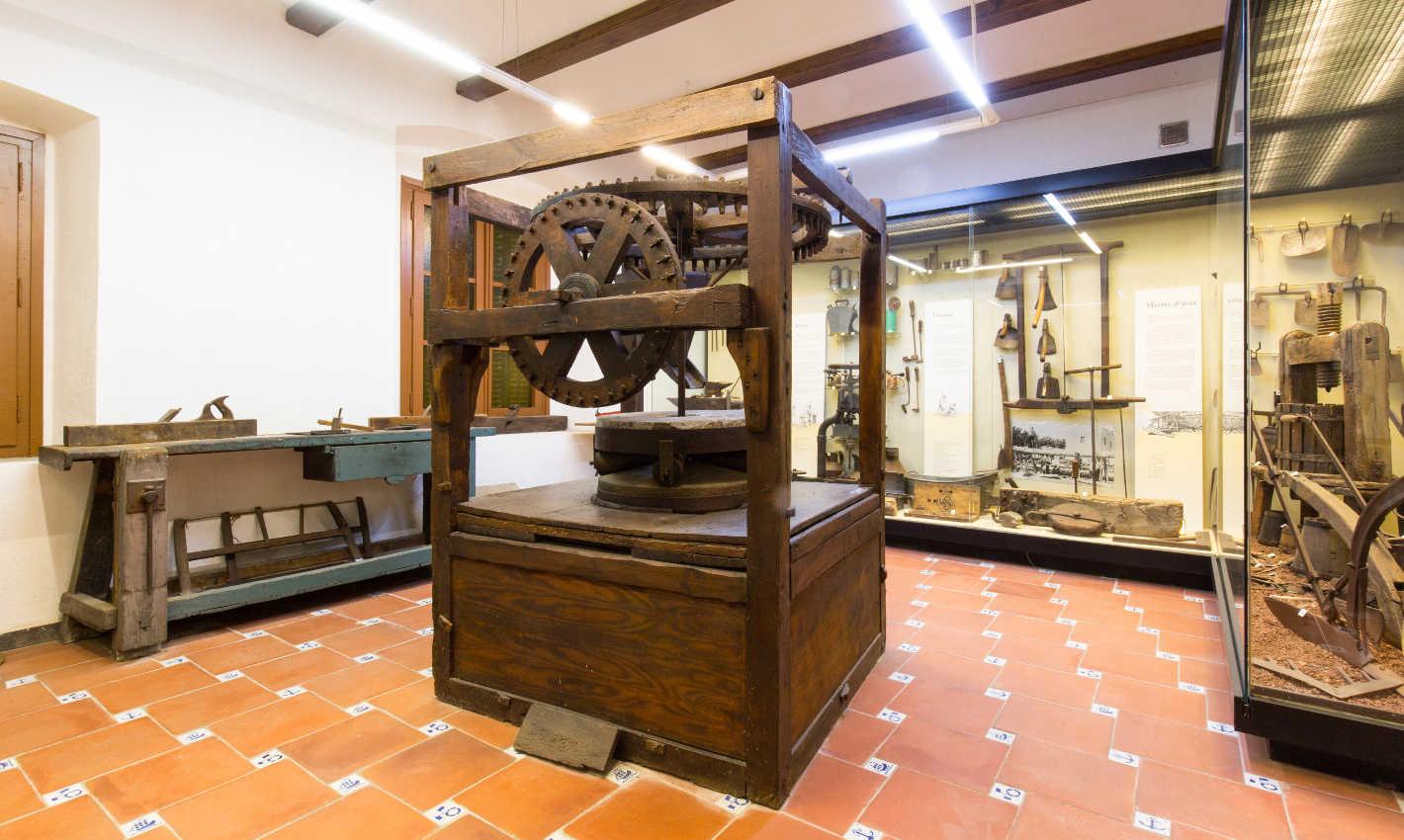 Eines d'oficis tradicionals al Museu-Arxiu de Calella