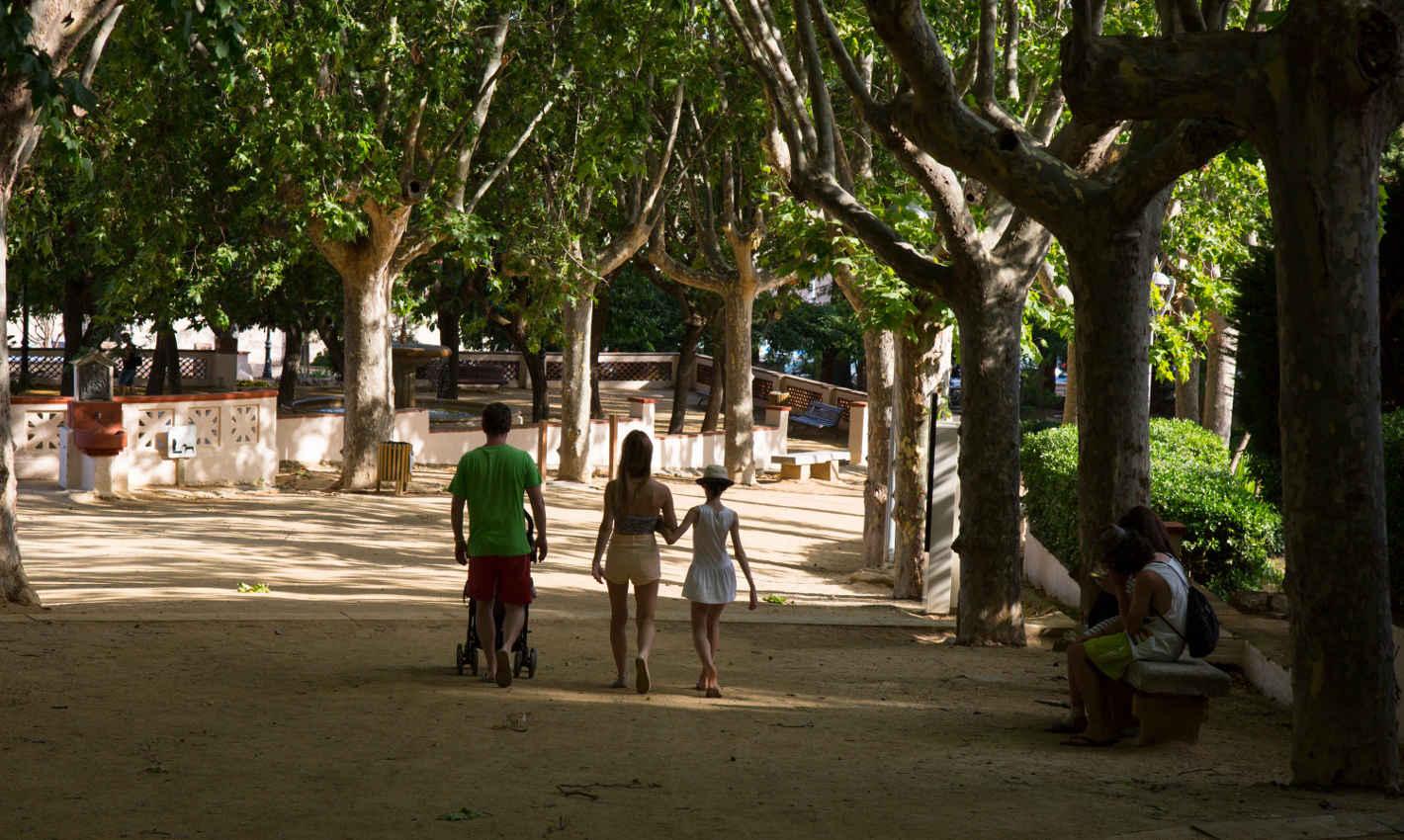 Passeig en família al Parc Dalmau