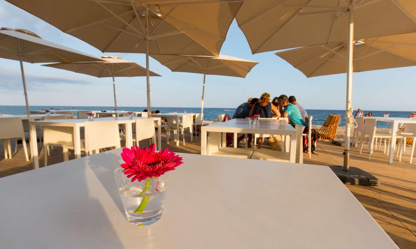Guingueta a la platja de Calella