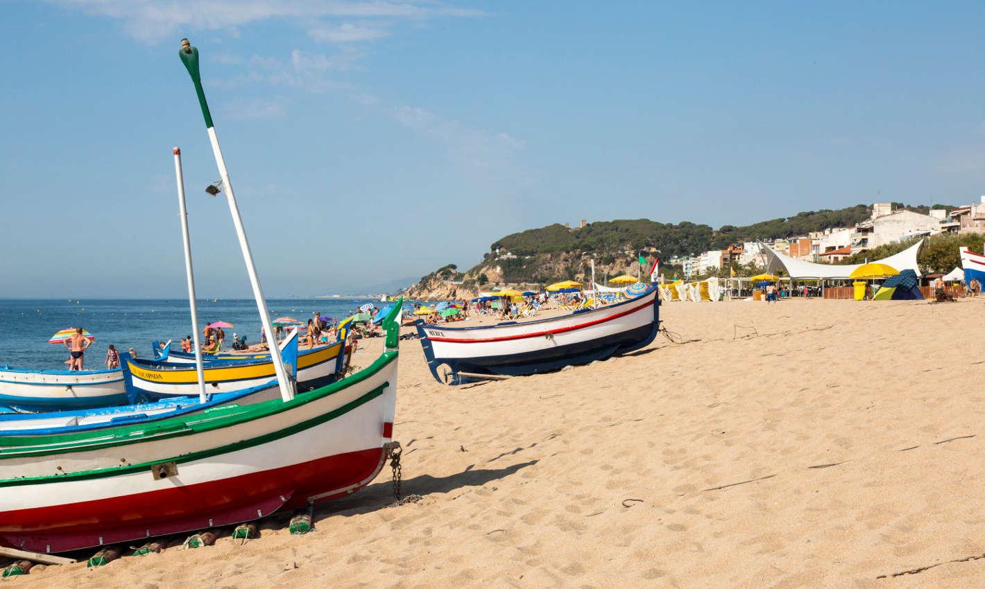 Barques a la Platja Gran de Calella